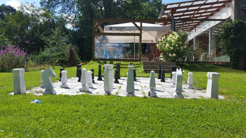 Landhotel Heidkrug Erholung Schach Biergarten